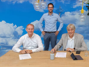 Hoogendoorn Growth Management's new IIVO will be equipped with Weather Solutions' weather data.
